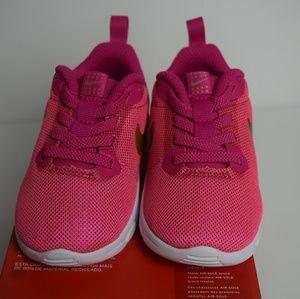 NWB Toddler Nike Air Max Motion shoes